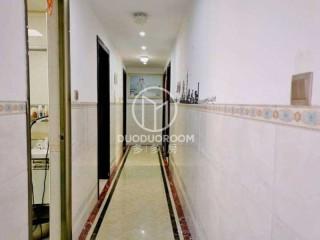 【特价房】荣旺·东方国际4室2厅2卫137m²精装修