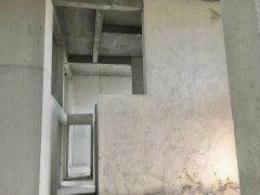 (楼中楼)万冠九期5室2厅2卫70万169m²毛坯房出售