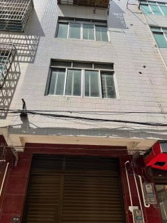 (平果市)巴赖路口三层私人房5室5厅5卫70万225m²出售