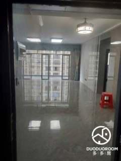 (新装修,出租配新家具)大都汇3室2厅2卫1800元/月101m²出租