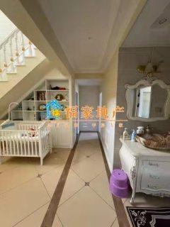 豪华楼中楼:江景名城5室2厅3卫130万218m²出售